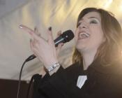 cantanto al Pala Cartasi
