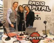 Foto di rito con il duo di Radio Capital